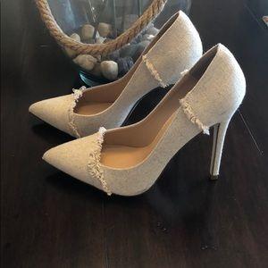 Shoe Dazzle Khaki Heels